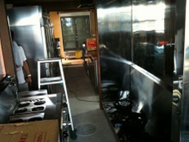 鉄板焼き+ラーメン店